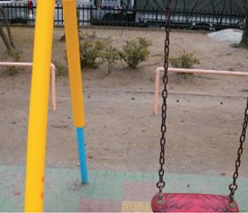 公園の遊具での使用実績1